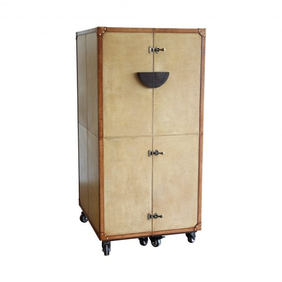 Wardrobe Tall Bar On Castors 02